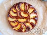 Рецепта Веган сладкиш с праскови, бадемово брашно, кленов сироп и канела